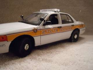 ILLINOIS STATE POLICE FORD CV UT DIECAST MODEL CAR